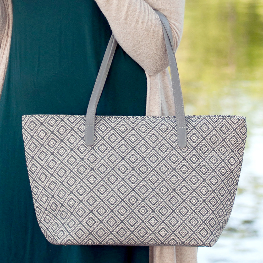 Monogrammed Charlotte Purse - Gray Diamond