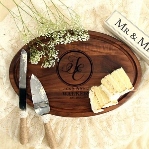 Walnut Cutting Board - Wedding Circular Motif
